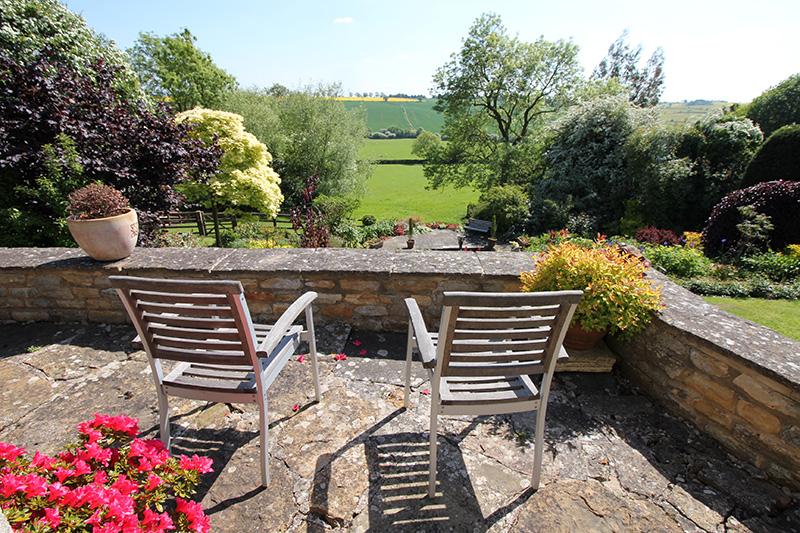 http://www.mantonlodge.co.uk/wp-content/uploads/2018/06/new_garden_landscape_6366.jpg